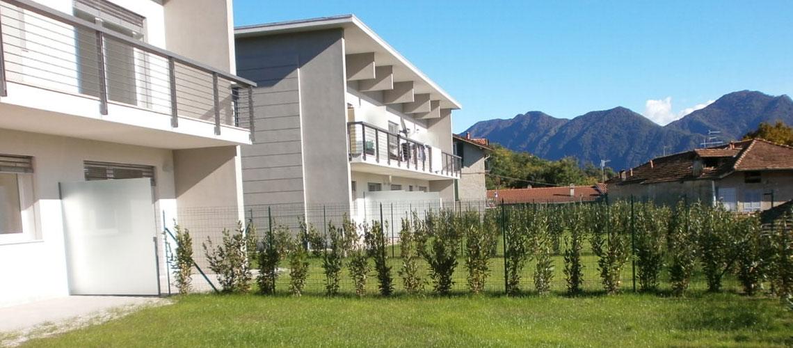 Complesso residenziale via vigne basse verbania for Ville bifamiliari moderne
